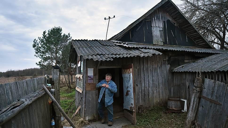 Новая Мацилевка пустует уже восьмой год, но Николай Новиков уверен: тут еще можно жить