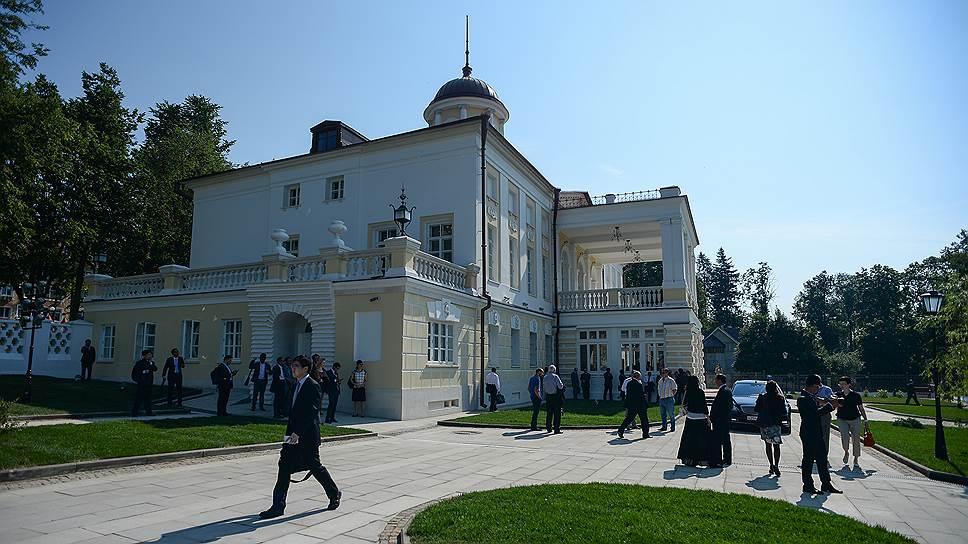 Бывшая усадьба Мусиных-Пушкиных долго была общежитием, а теперь стала китайским музеем