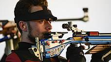 Сергей Каменский в соревнованиях по пулевой стрельбе с 50 метров в последний момент не совладал с нервами и уступил итальянцу, который уже и сам с трудом набирал очки. Но в серебро он попал