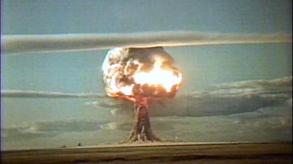 Испытание ядерной бомбы. 1953-й год