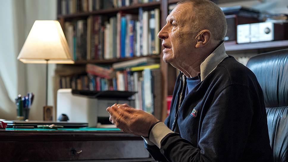 Режиссер Андрей Смирнов читает, что творческая свобода перевешивает любые материальные трудности