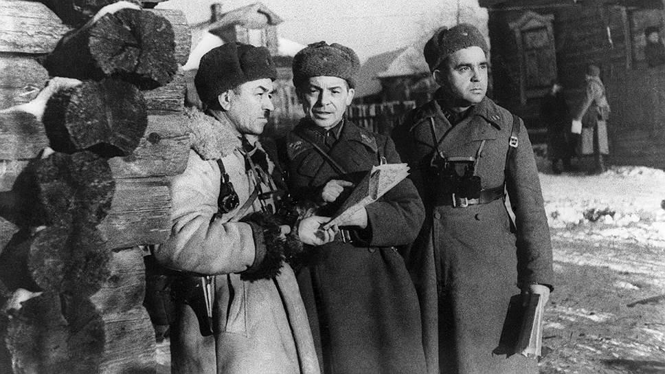 Генерал Панфилов (слева) под Москвой-- последнее фото. 1941год