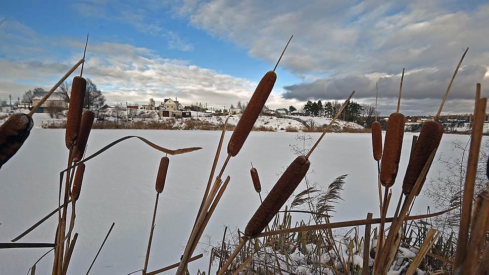 Раньше маленькое село было отрезано от Большой земли реками и болотами