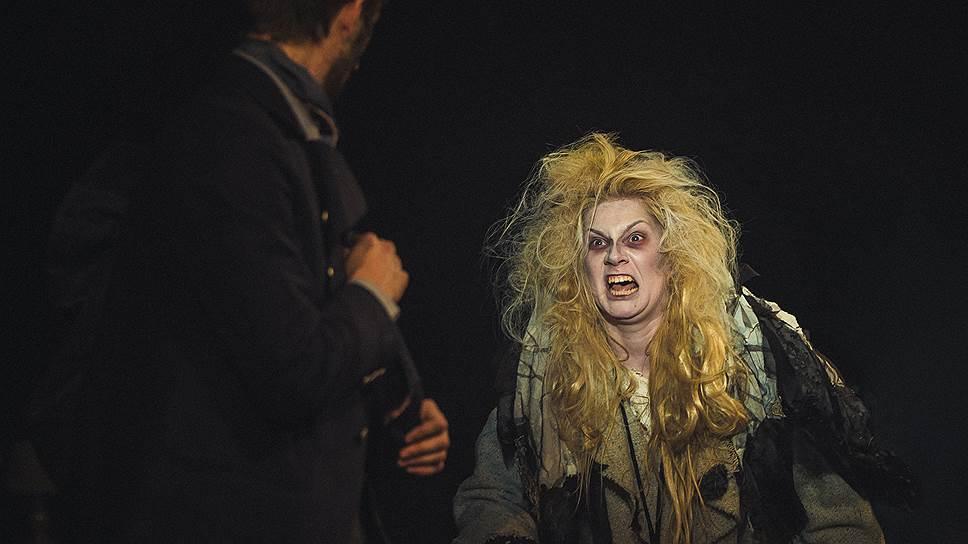 """Защитники Таганки напирают на необходимость сохранения наследия Любимова, но театр— не музей (на фото— сцены из спектакля """"Суини Тодд"""")"""