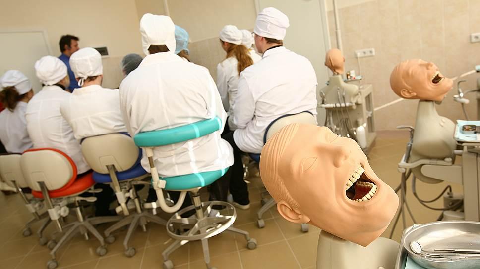 Учебную аудиторию можно оборудовать самым передовым образом, но это не гарантирует, что из студента вырастет настоящий врач