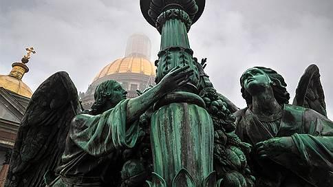 Между голубем и маятником  / Исаакиевский собор от купола до подвала в репортаже «Огонька»