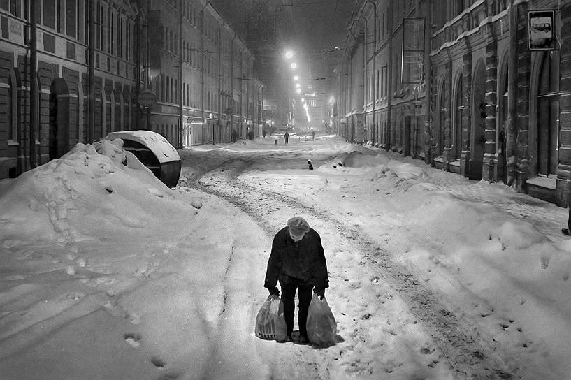 Эксперты отмечают: свыше 20процентов россиян тратят все заработанные средства только на еду и услуги ЖКХ