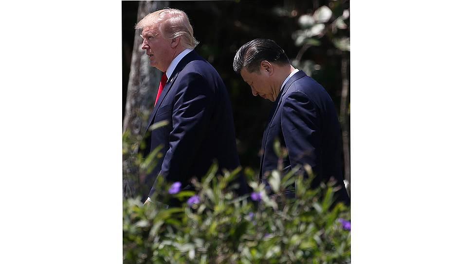 Председатель Си и президент Трамп в поместье последнего в Мар-а-Лаго, Флорида