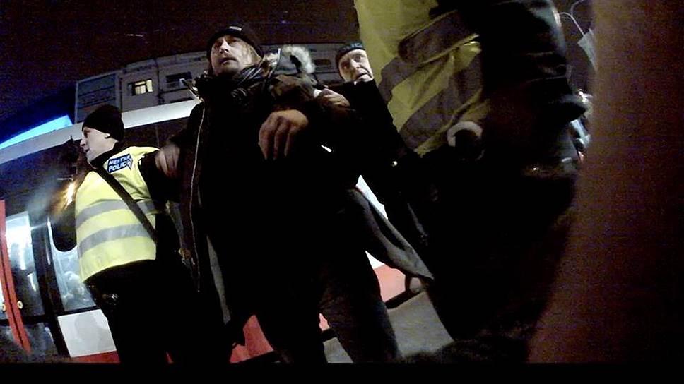 Фотография, сделанная во время задержания Олега Воротникова в Праге 25 января этого года