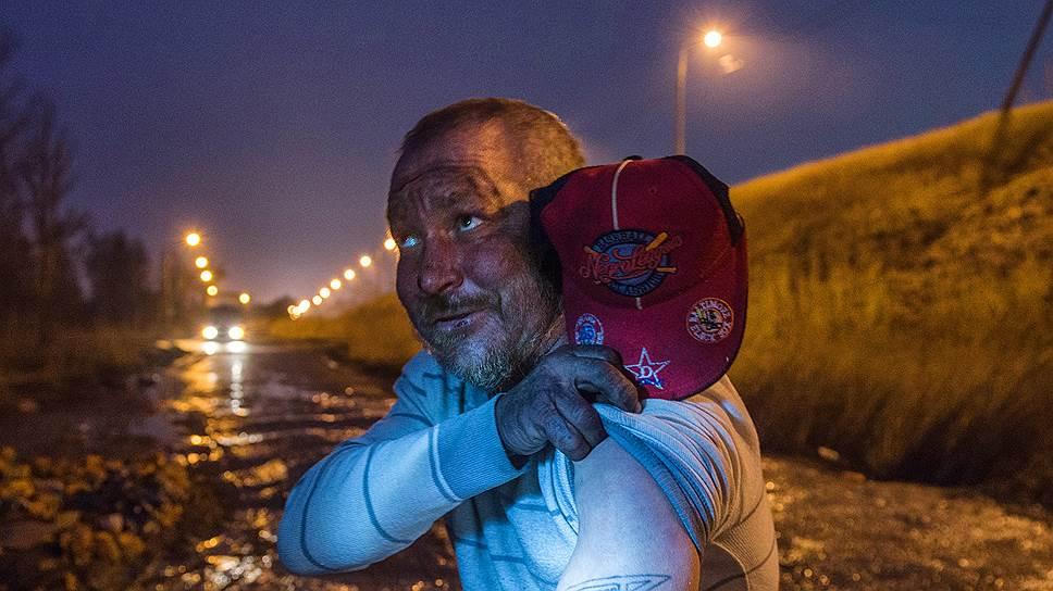 Бездомный Сергей по кличке «Зенит» у железнодорожной станцией Лигово. Прозвище свое получил как фанат клуба и как бывший игрок команды одного из заводов