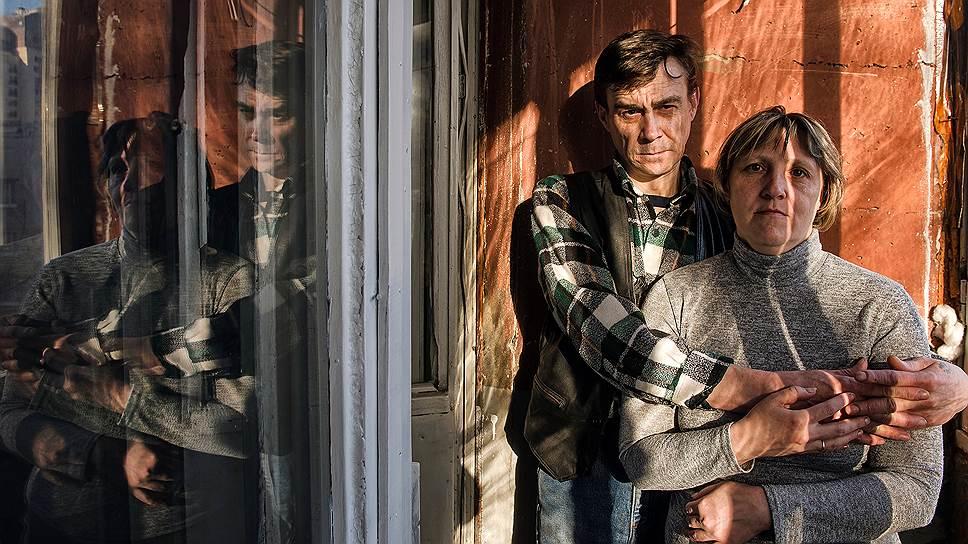 Ирина Колдина и Алексей Миков познакомились в приюте «Ночлежка». Год назад они сняли отдельную комнату у метро. К сожалению, с тех пор пара распалась, но ни один не вернулся на улицу
