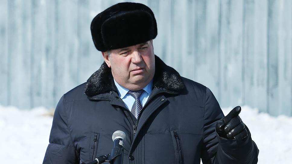 Другой зампред правительства Хабаровского края (по взаимодействию с федеральными органами власти), Анатолий Размахнин,— тоже в недавнем прошлом генерал