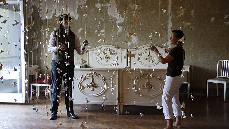 Актеры созданного в Испании театра Kamchatka! (на фото) обходятся не только без подмостков, но и без слов — спектакли поставлены на языке жестов и взглядов