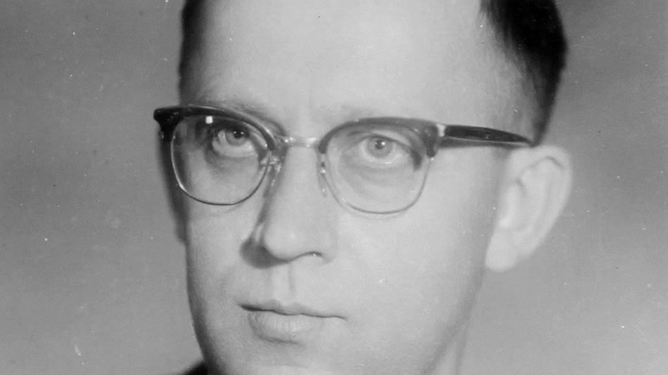 Владимир Лебедев в аппарате Хрущева занимался вопросами культуры и имел репутацию разумного либерала