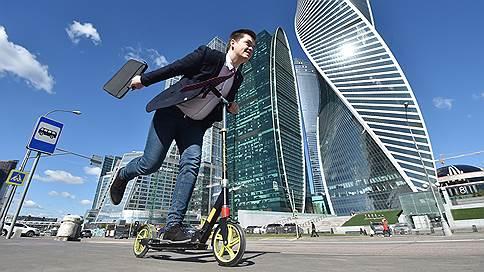 Ноги с колесом  / Анатолий Жданов и Никита Аронов впечатлены изобилием индивидуального транспорта в Москве