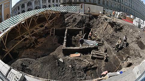 Глубокая старина  / В центре Москвы докопались до XII века. В раскоп заглянули Анатолий Жданов и Мария Портнягина