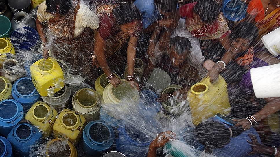 Раздача воды на Востоке даже важнее, чем раздача еды