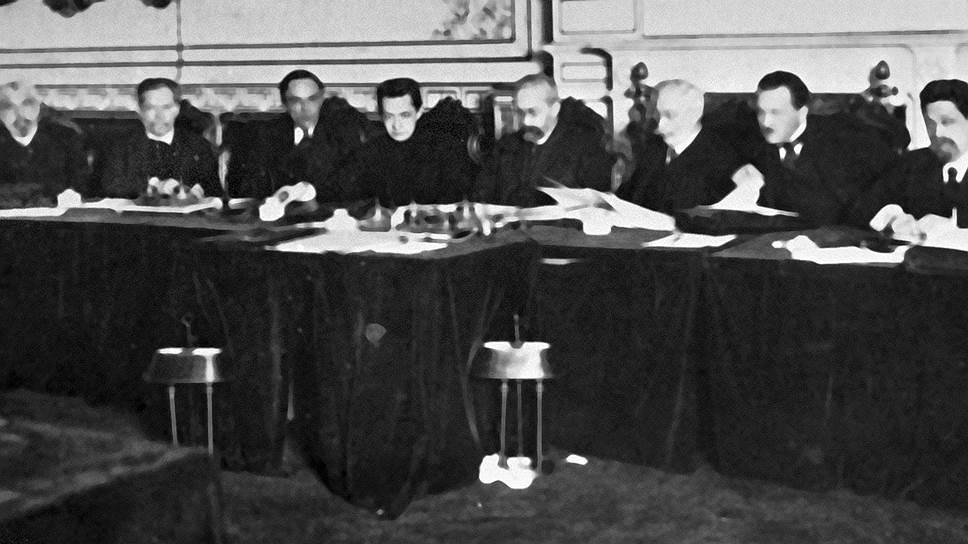 Как Россия 100 лет назад провозгласила себя республикой и почему ей не стала