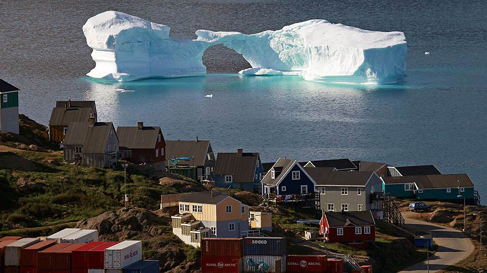 """Главный современный научный миф— """"антропогенное потепление""""— наука развеивает с трудом: слишком уж он осязаем. На фото— айсберг у берегов Гренландии"""