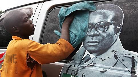 Бессменней всех живых // Светлана Сухова — о Роберте Мугабе и его неотделимости от власти
