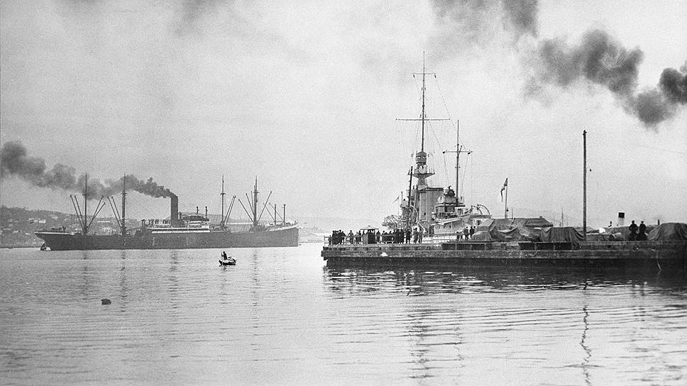 Военные корабли интервентов на рейде Владивостока