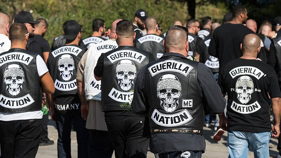 """Байкеры из мотоклуба """"Нация партизан"""", в который влились осевшие в ФРГ чеченцы, хорошо известны берлинской полиции. Впрочем, пишет газета BZ, называть они себя предпочитают """"Вайнахскими партизанами"""""""