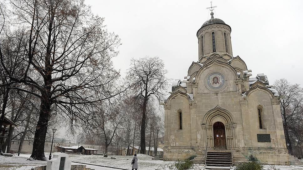 Спасский собор в XV веке расписывал Андрей Рублев. Увы, фрески почти не сохранились. Зато имя иконописца стало охранной грамотой монастыря