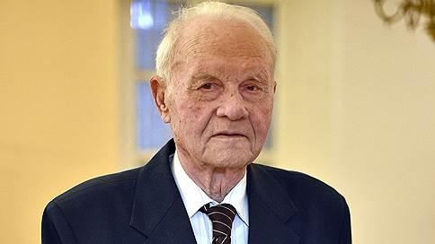 Две звезды Алексея Волошина  / Участник Сталинградской битвы поделился воспоминаниями с Иваном Волонихиным