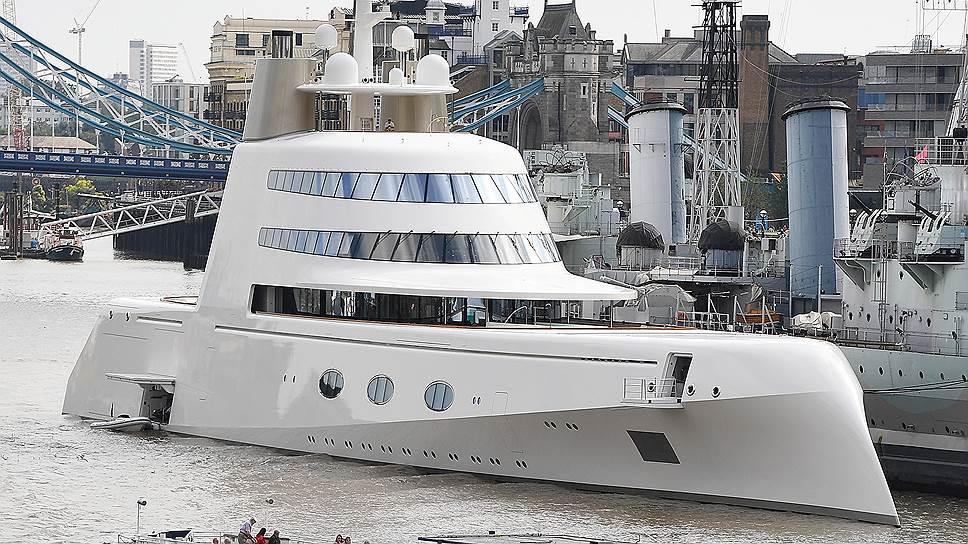 Роскошная яхта одного из российских миллиардеров пришвартовалась на Темзе