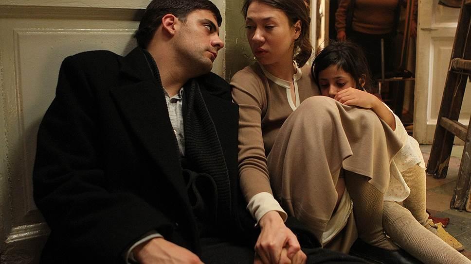 Авторы фильма хотели показать не писательскую жизнь, а человеческую (в роли жены писателя— Хелена Суецка)