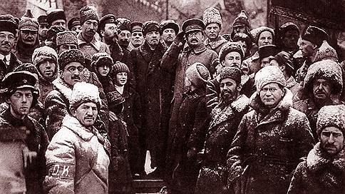 Белое на красном  / Почему кадровые военные шли на службу в Красную армию. Фрагмент из книги Андрея Ганина