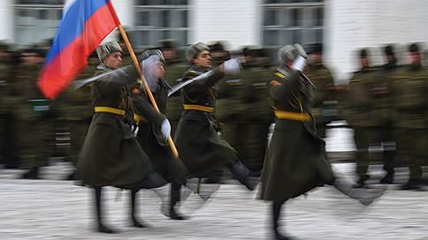 Тень защитника Отечества  / Ольга Филина — о Вооруженных силах как социологической загадке