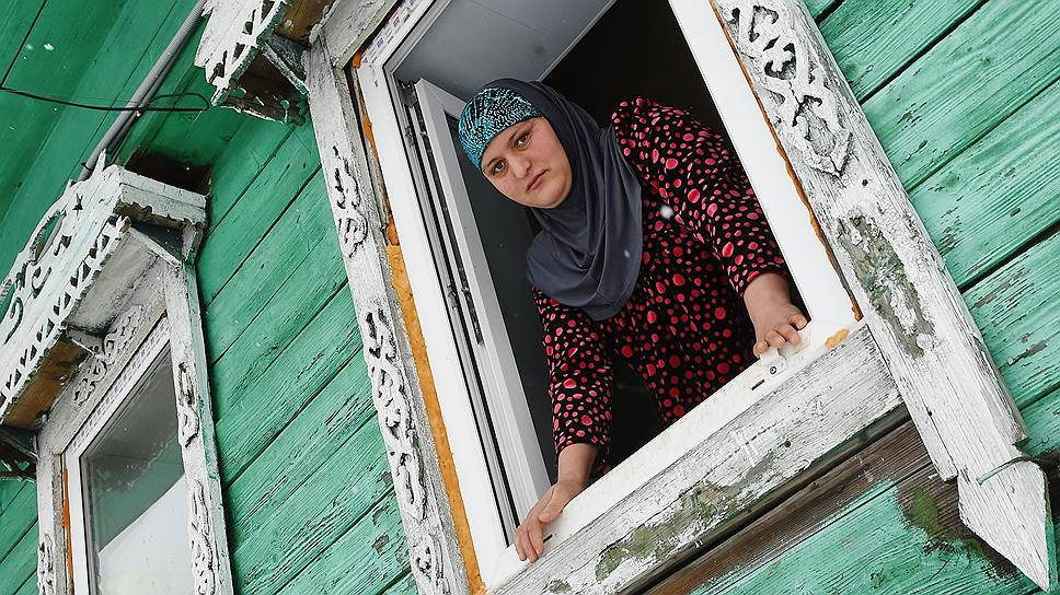 Как тверские села заселяют мигранты из Таджикистана
