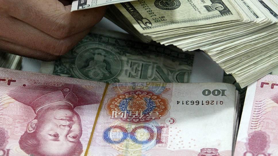 """Мировая экономика по-прежнему зависит от """"самочувствия"""" доллара"""
