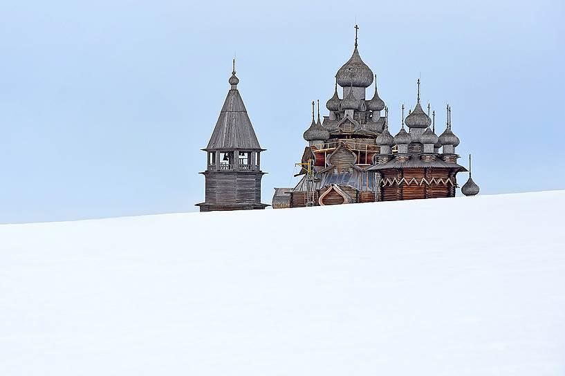 Живописнее всего Кижи зимой
