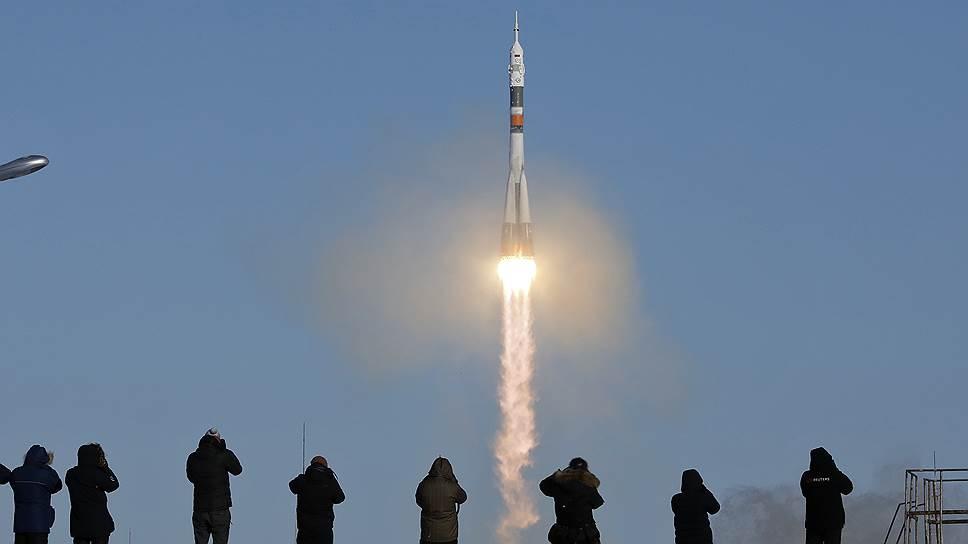 """17 декабря 2017года космический корабль """"Союз-МС-07"""" с новым экипажем на борту отбыл с Байконура к МКС. Столько еще осталось экспедиций до финиша проекта? Этот вопрос возникает все чаще"""