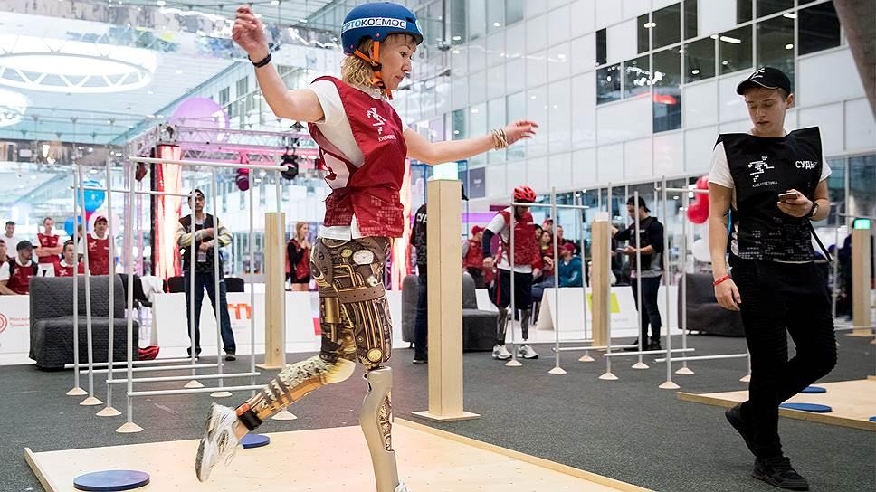 В России набирают популярность соревнования спортсменов-киборгов. В ноябре 2017 года в Сколково впервые прошло первенство страны