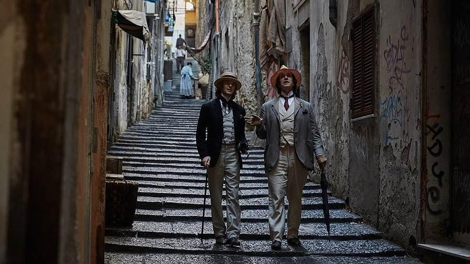 Во Франции Уайльд намеревался жить, а не умирать (в роли Уайльда— Руперт Эверетт, справа)