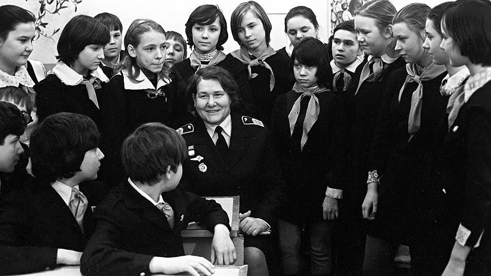"""Ираида Вертипрахова стала первой летчицей """"Аэрофлота"""""""