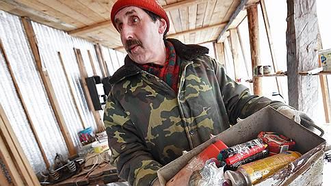 Отвечающий на отбросы  / Никита Аронов нашел на окраине Костромской области энтузиаста раздельного сбора мусора