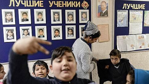Поселок таборного типа // Фотограф Сергей Ермохин присмотрелся к оседлой жизни цыган