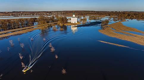 Подтопительный сезон // Россия борется с паводками