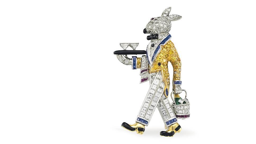 Брошь в виде кролика, украшенная бриллиантами и рубинами, из коллекции украшений супругов Рокфеллер будет выставлена на торги домом Christie's 12июня. Стартовая цена— 35тысяч долларов