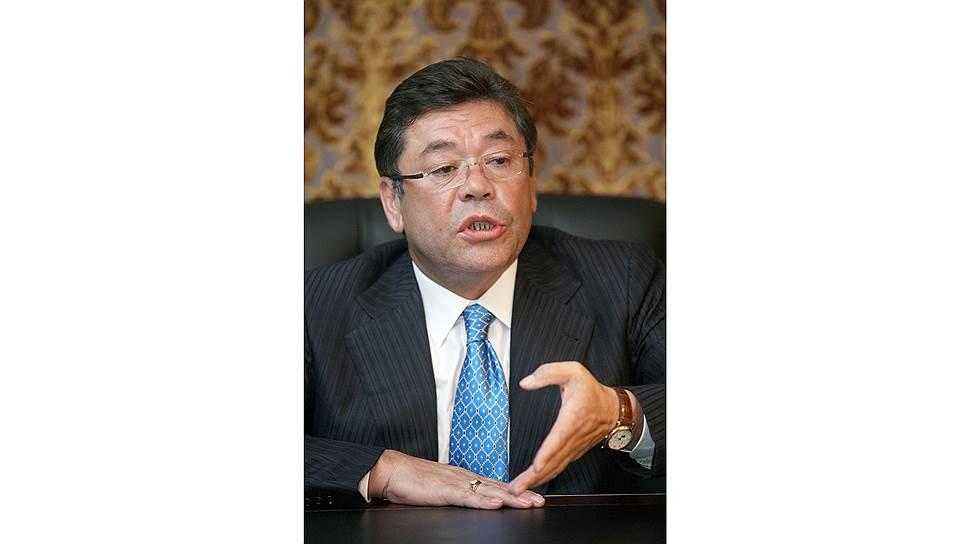Фаттах Шодиев, почетный председатель Ассоциации японоведов