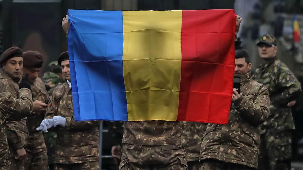 Фото на память в день парада. Будни демократии в Румынии менее праздничные