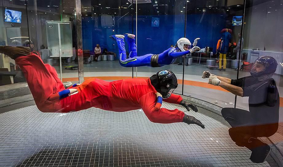 Элементы групповой акробатики отрабатываются в аэродинамическом тоннеле