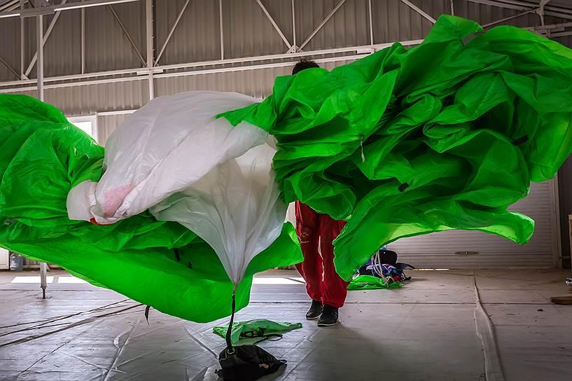 Укладка парашюта — особое искусство