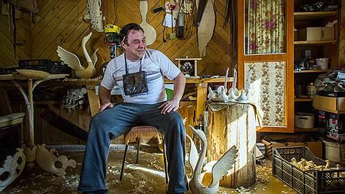 Где живет жар-птица // Анастасия Глыбина познакомилась с хранителями хохломских традиций