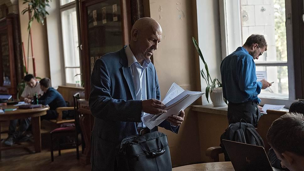 Валерий Анатольевич также заведует кафедрой «Физика частиц и космология» МГУ