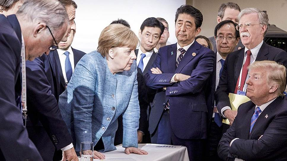 Это фото с прошлогодней встречи «семерки» можно смело признать символичным: ни былого единства, ни непререкаемого американского лидерства в «западных рядах» больше нет— каждый играет за себя